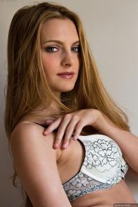 Η Kennedy Nash 2